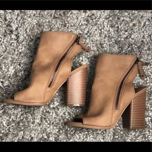 DV sandal wedges